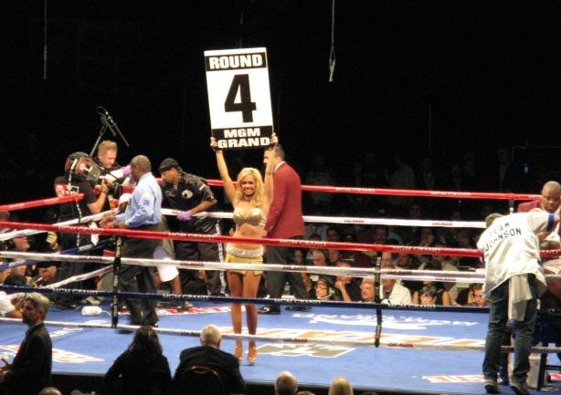 BoxingRoundCardGirl